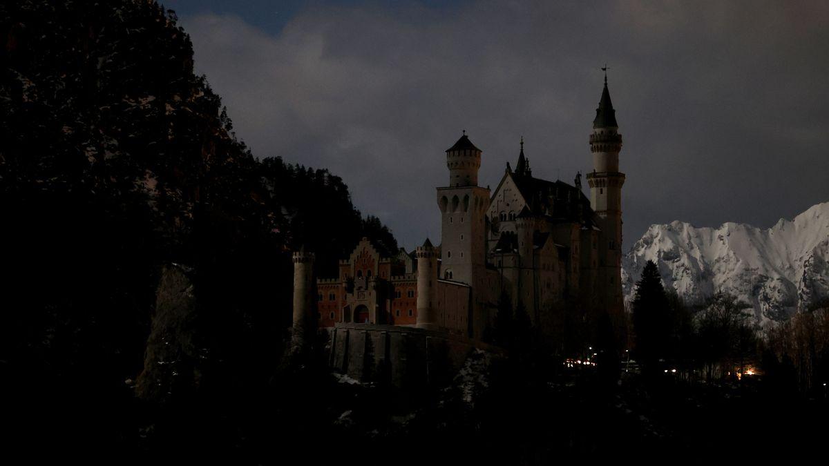 """""""Licht aus"""" am Schloss Neuschwanstein während der """"Earth hour"""""""