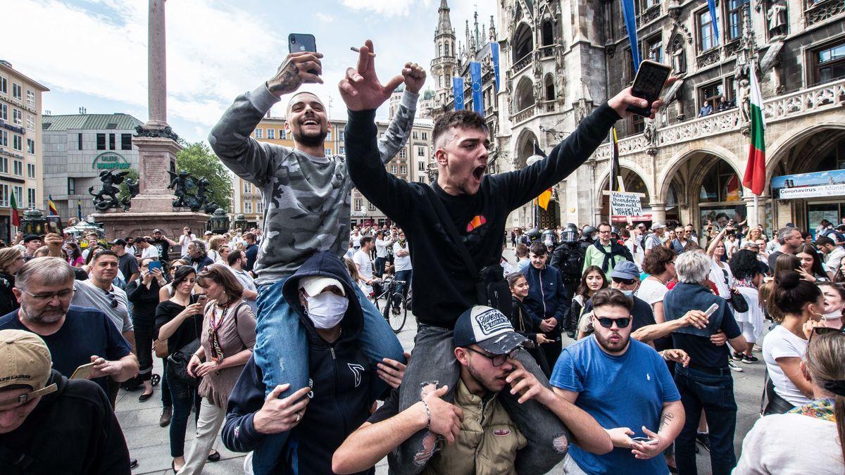 Teilnehmer der Demonstration am Marienplatz am vergangenen Samstag