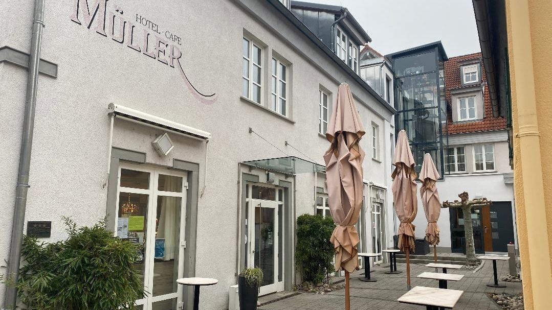Cafés, Restaurants und Hotels bleiben bis mindestens 20. Dezember zu. Der unterfränkische Hotel- und Gaststättenverband kritisiert die Erweiterung der Teil-Lockdowns.