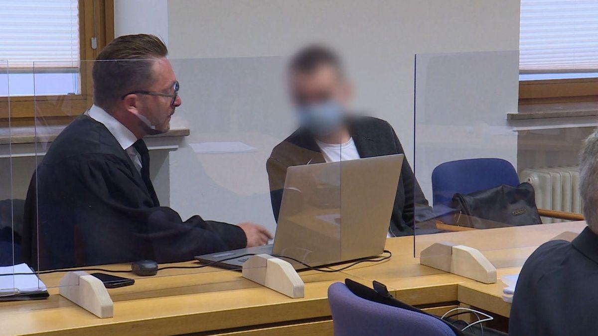 Der 29-Jährige bei der Gerichtsverhandlung in Schweinfurt