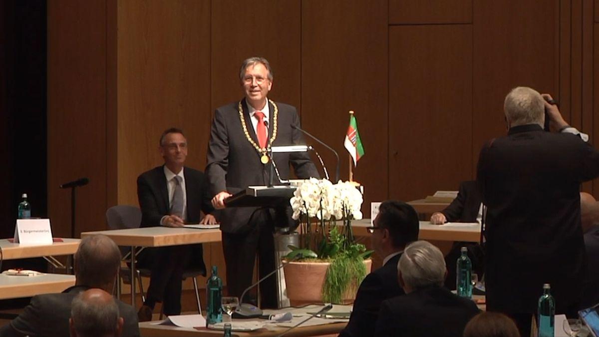 Aschaffenburgs Oberbürgermeister Jürgen Herzing (SPD) nach seiner Vereidigung