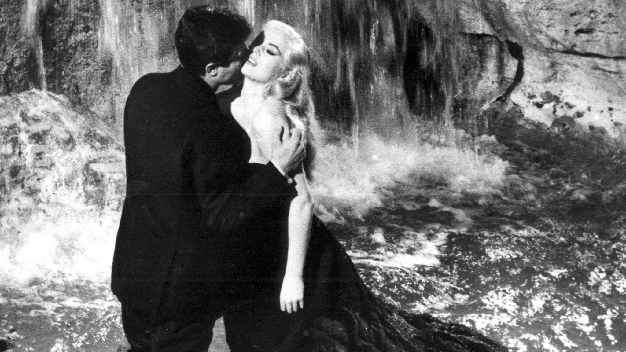 "Marcello Mastroianni zusammen mit Anita Ekberg in ""La Dolce Vita"""