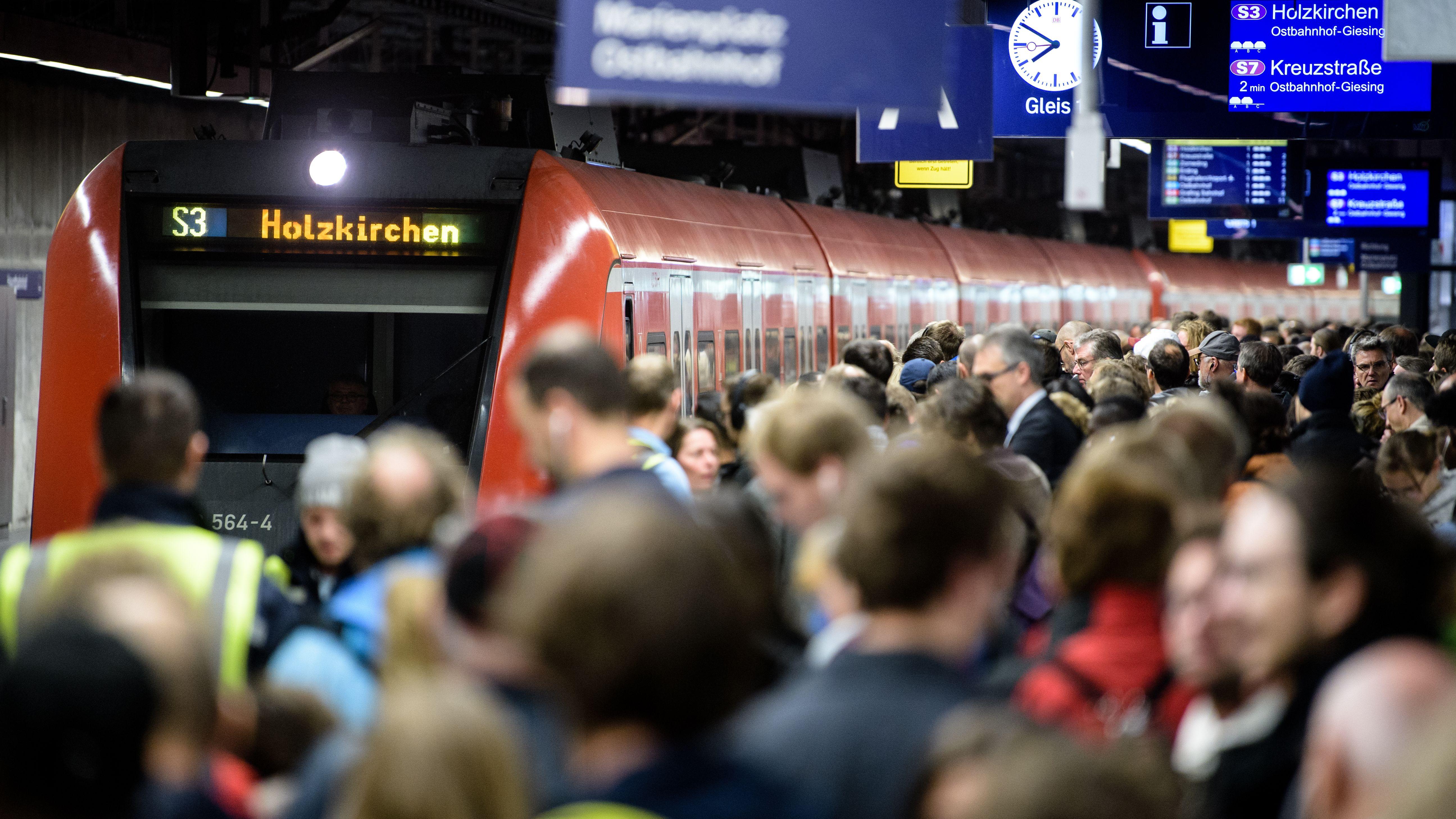Münchner S-Bahnen sollen wieder häufiger Fahren