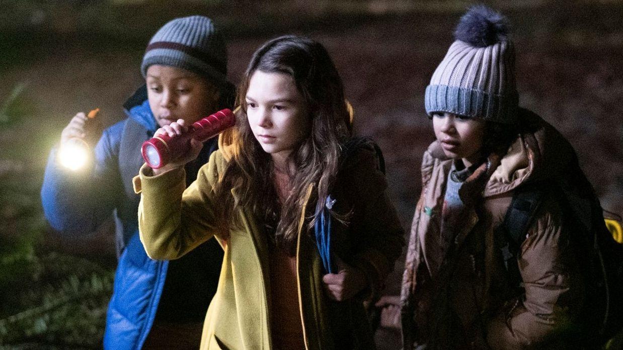 Die Kinderreporterin Hilde Lisko ist mit ihren beiden Freunden nachts im Wald auf Spurensuche.