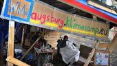 """Seit einem halben Jahr protestieren Aktivisten von """"Fridays for Future"""" mit einem Klimacamp vor dem Augsburger Rathaus.   Bild:dpa-Bildfunk/Karl-Josef Hildenbrand"""