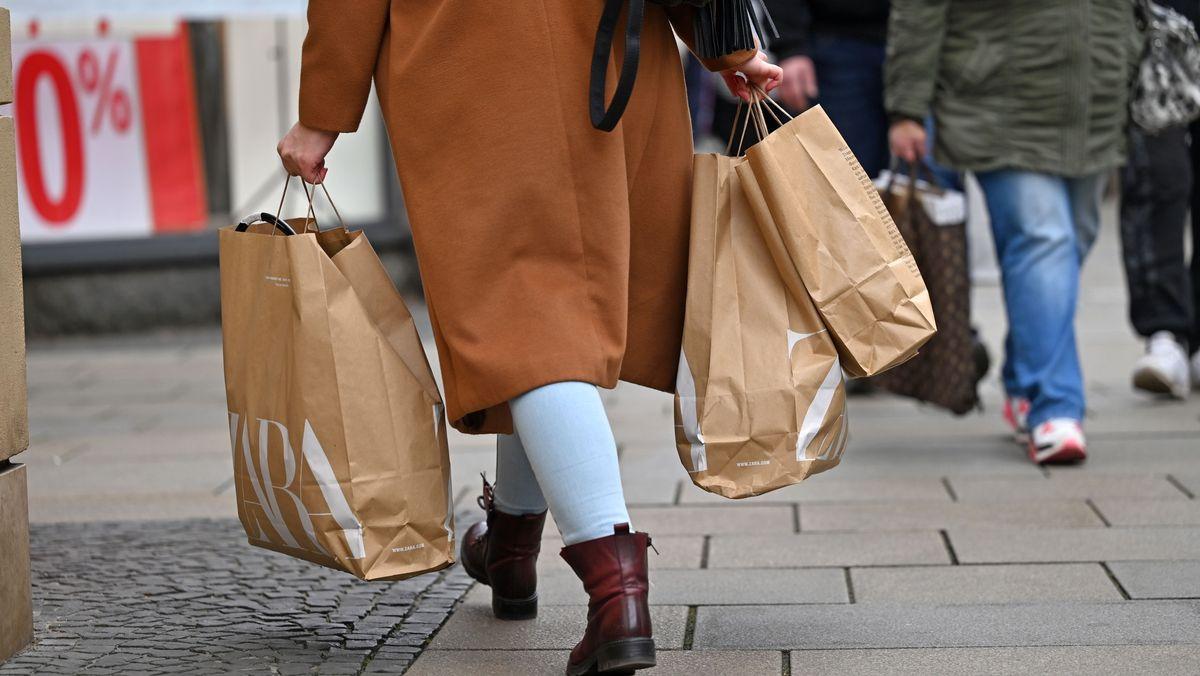 Einkaufstüten (Symbolbild)