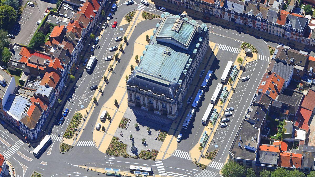 Luftbild vom historischen Theaterbau