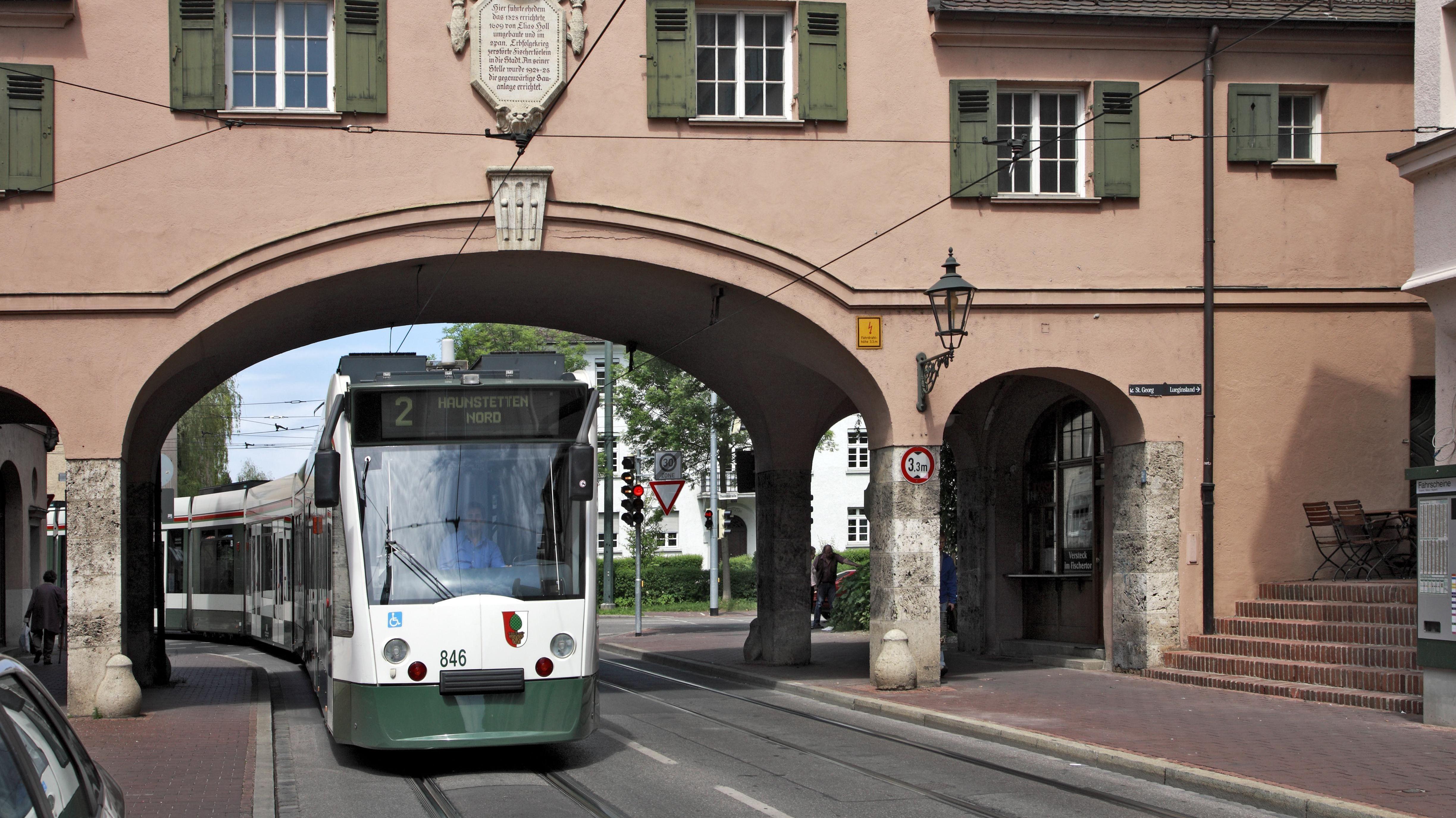 Corona Ticker Schwaben Randale In Strassenbahn Wegen Maske Br24