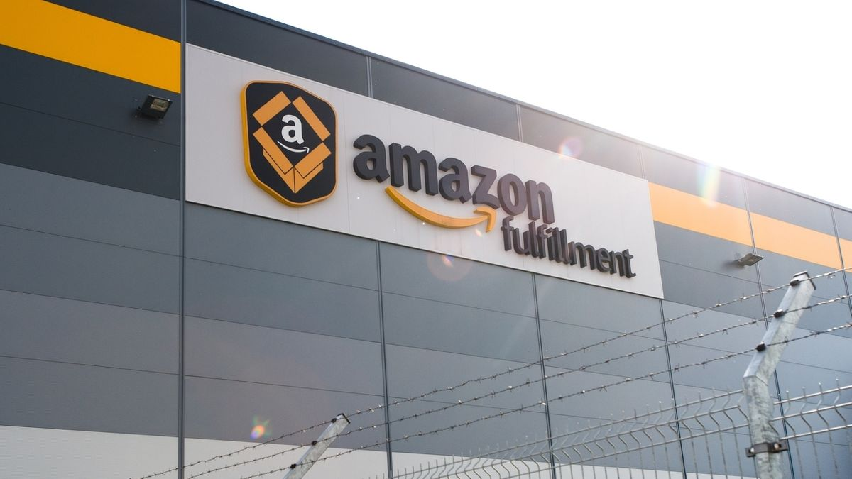 Außenansicht eines Amazon-Gebäudes