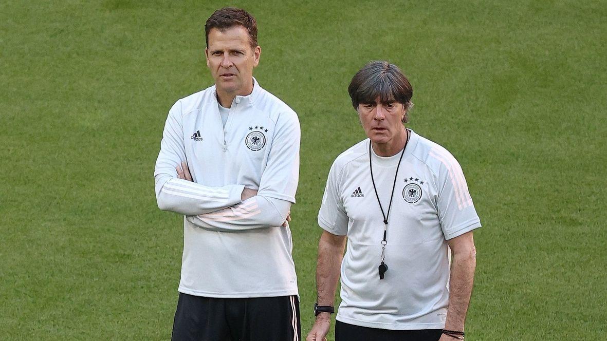 DFB-Direktor Oliver Bierhoff  und Bundestrainer Joachim Löw