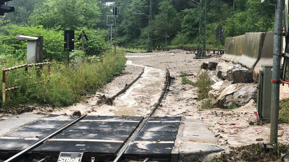 Auch mehrere Bahnlinien sind betroffen: bei Berchtesgaden (Bild) ebenso wie zwischen Eschenlohe und Oberau.
