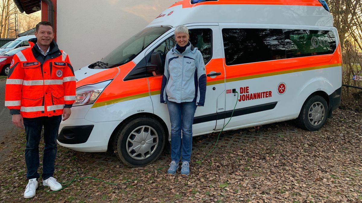 Verkehrsunfall, plötzlicher Kindstod oder auch das Zugunglück in Bad Aibling – die ersten Stunden nach einem Unglücksfall können enorm belastend sein. Wer hilft? Das Kriseninterventionsteam. Die Johanniter suchen Ehrenamtliche im Landkreis Rosenheim.