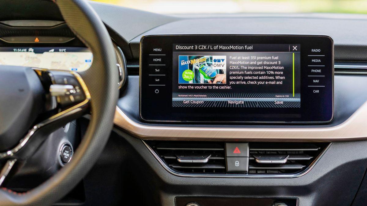 Ein Infotainmentsystem in einem Auto.