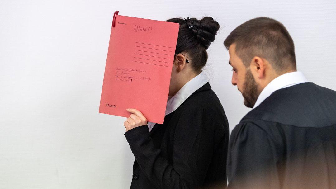 Die Angeklagte Jennifer W., hier an einem Prozesstag im Juli 2019.