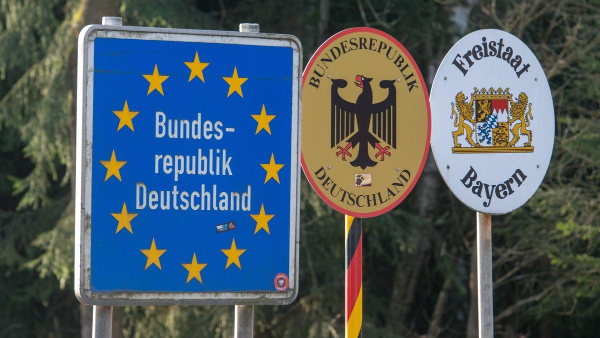 Tschechien erweitert ab Dienstag für Berufspendler in bestimmten systemrelevanten Berufen die Möglichkeit für Reisen ins Ausland.