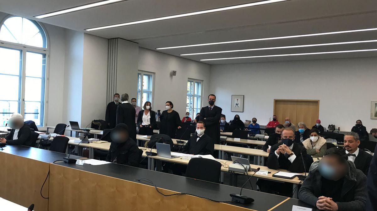 Die drei Angeklagten im sogenannten Kö-Prozess vor dem Augsburger Landgericht