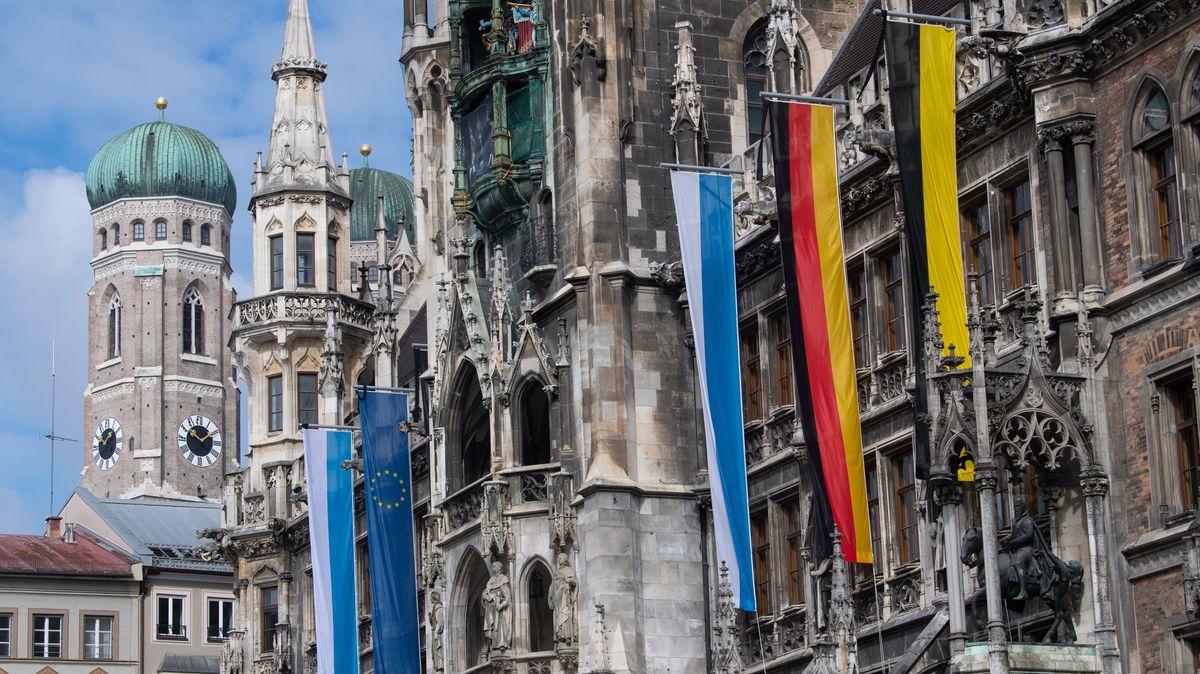 Blick aufs Münchner Rathaus.