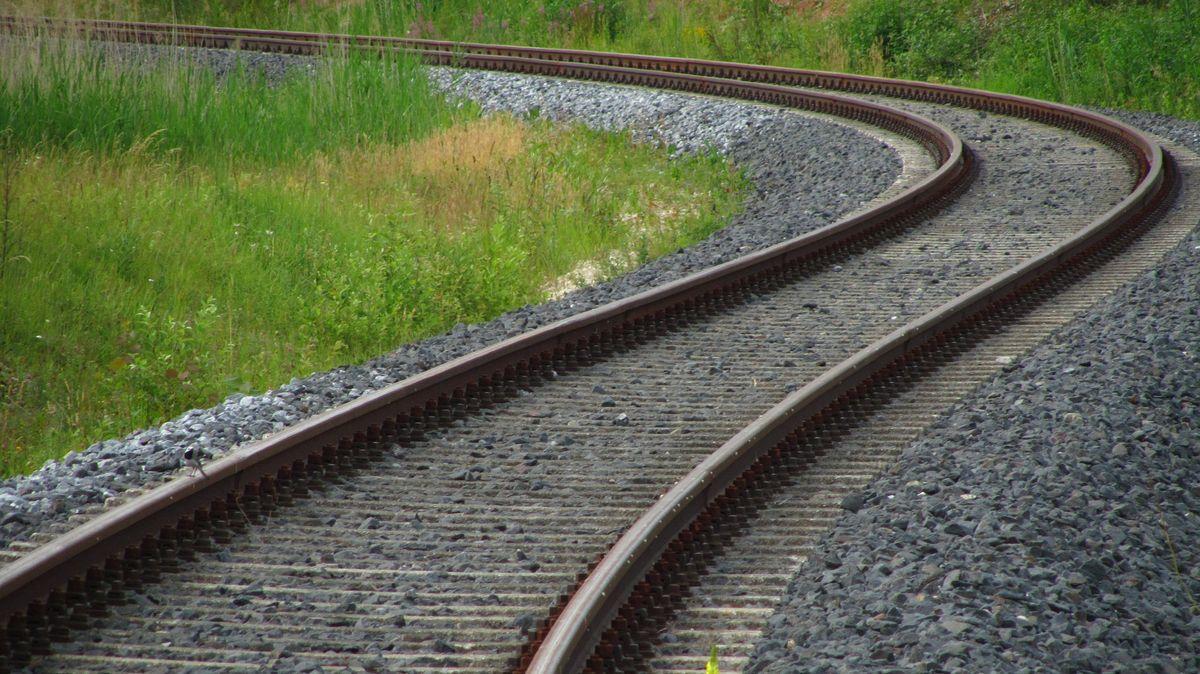 Die Rottalbahn von Passau nach Mühldorf gehört einem Zeitungsbericht zufolge zu den unsichersten Bahnstrecken in ganz Deutschland