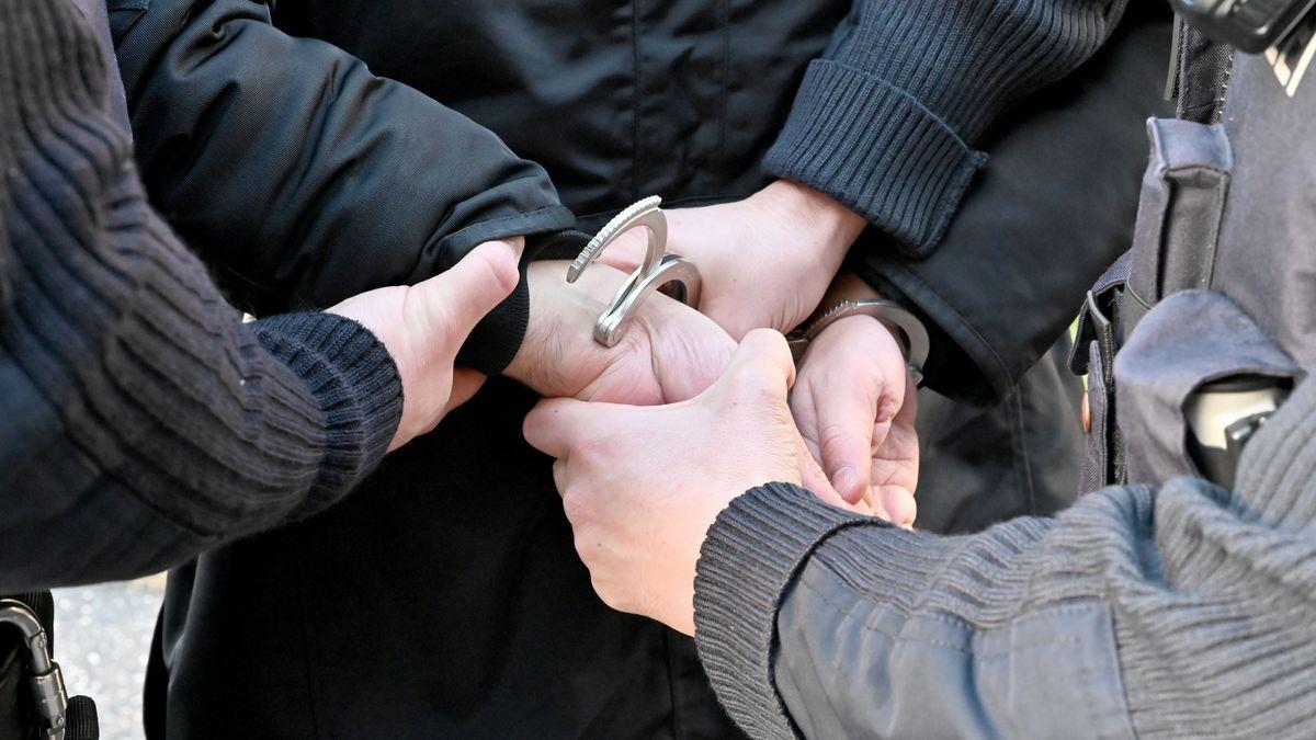 Festnahme eines Mannes (Symbolbild)