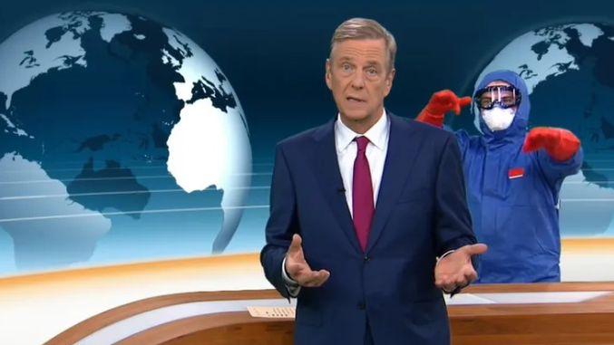 Mann mit Schutzkleidung im ZDF heute journal