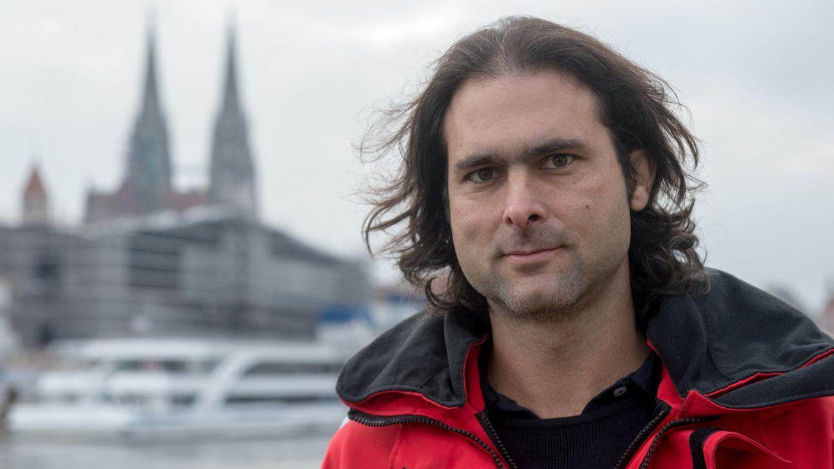 Michael Buschheuer hat 2015 mit Freunden das  Hilfsprojekt Sea-Eye gegründet. Seither wurden 14.000 Menschen aus dem Meer gerettet.