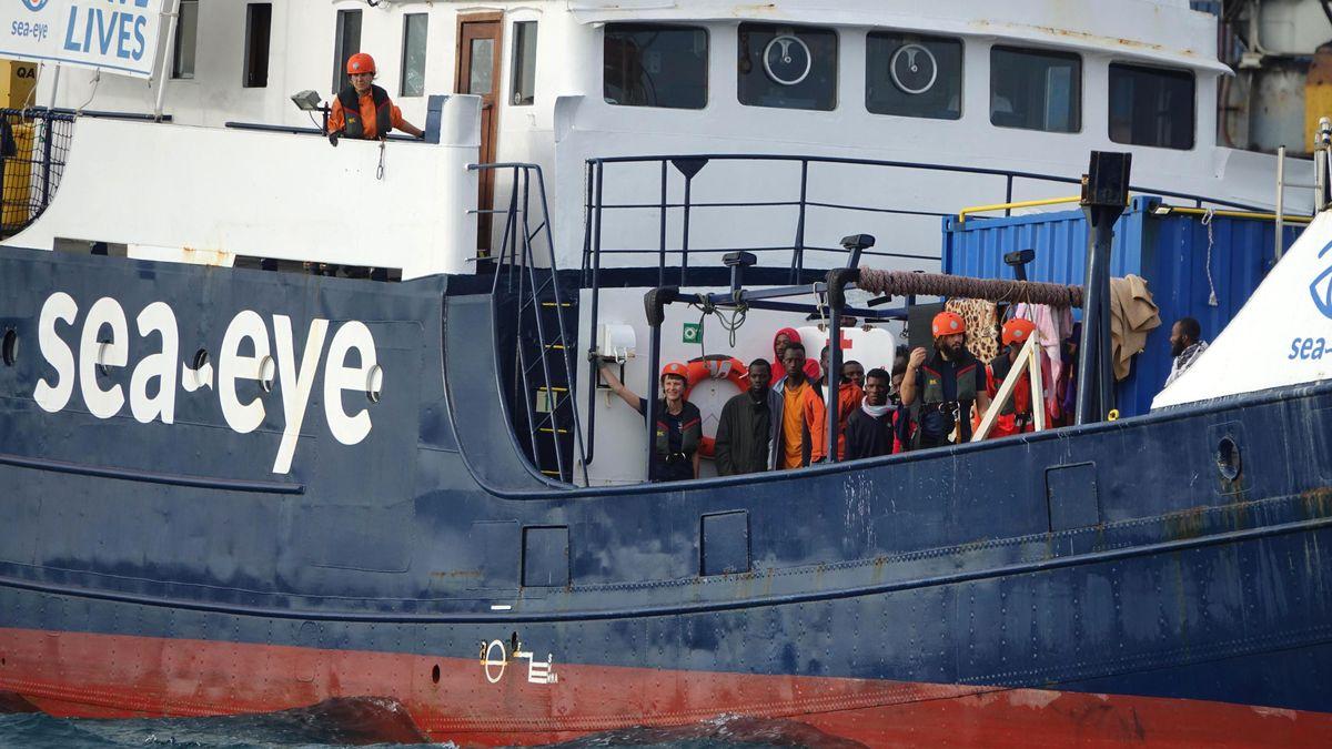 """Die """"Alan Kurdi"""" der deutschen Seenotrettung Sea Eye."""