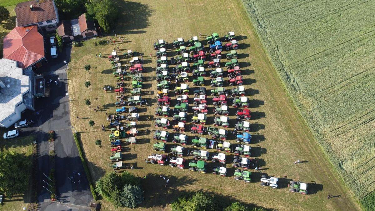 Traktorgottesdienst mit Fahrzeugsegnung in Hammelburg