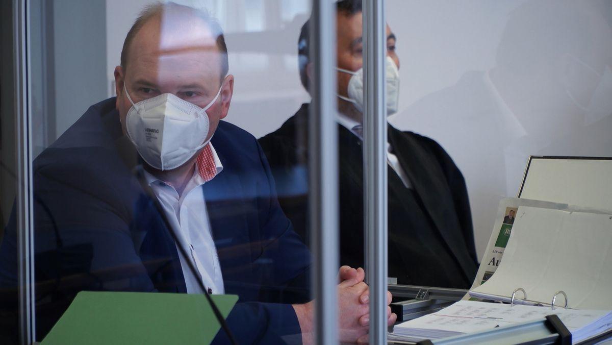 Prozessauftakt gegen den früheren Regensburger Oberbürgermeister-Kandidaten der CSU, Christian Schlegl  (links)