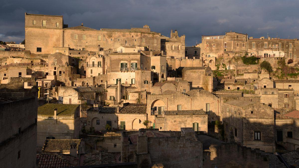 Matera: die Europäische Kulturhauptstadt und Höhlenstadt ist Schauplatz für Milo Raus Film über die Passion Christi