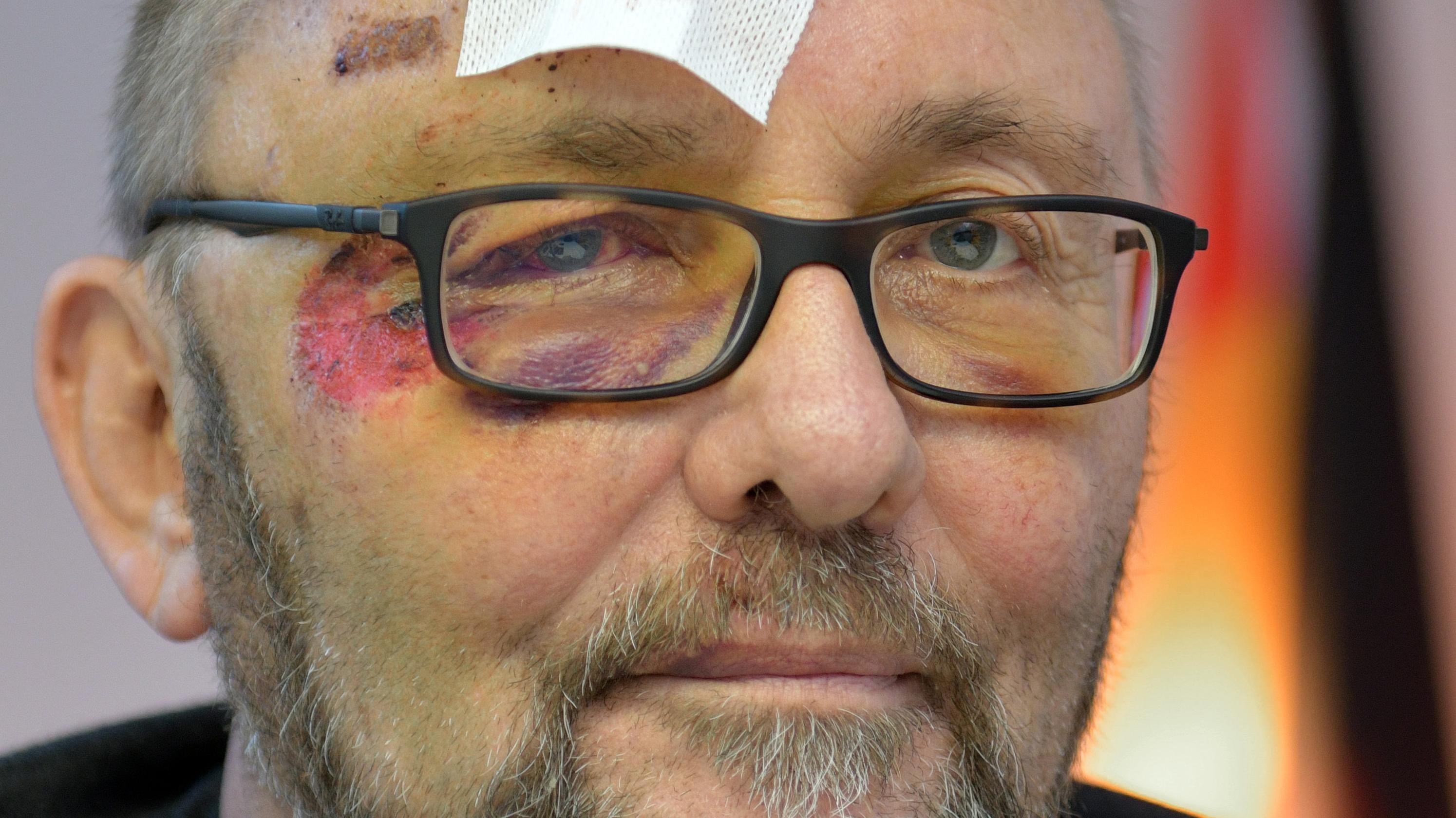 11.01.2019, Bremen: Frank Magnitz, Landesvorsitzender der AfD Bremen, sitzt im Bremer AfD-Büro.