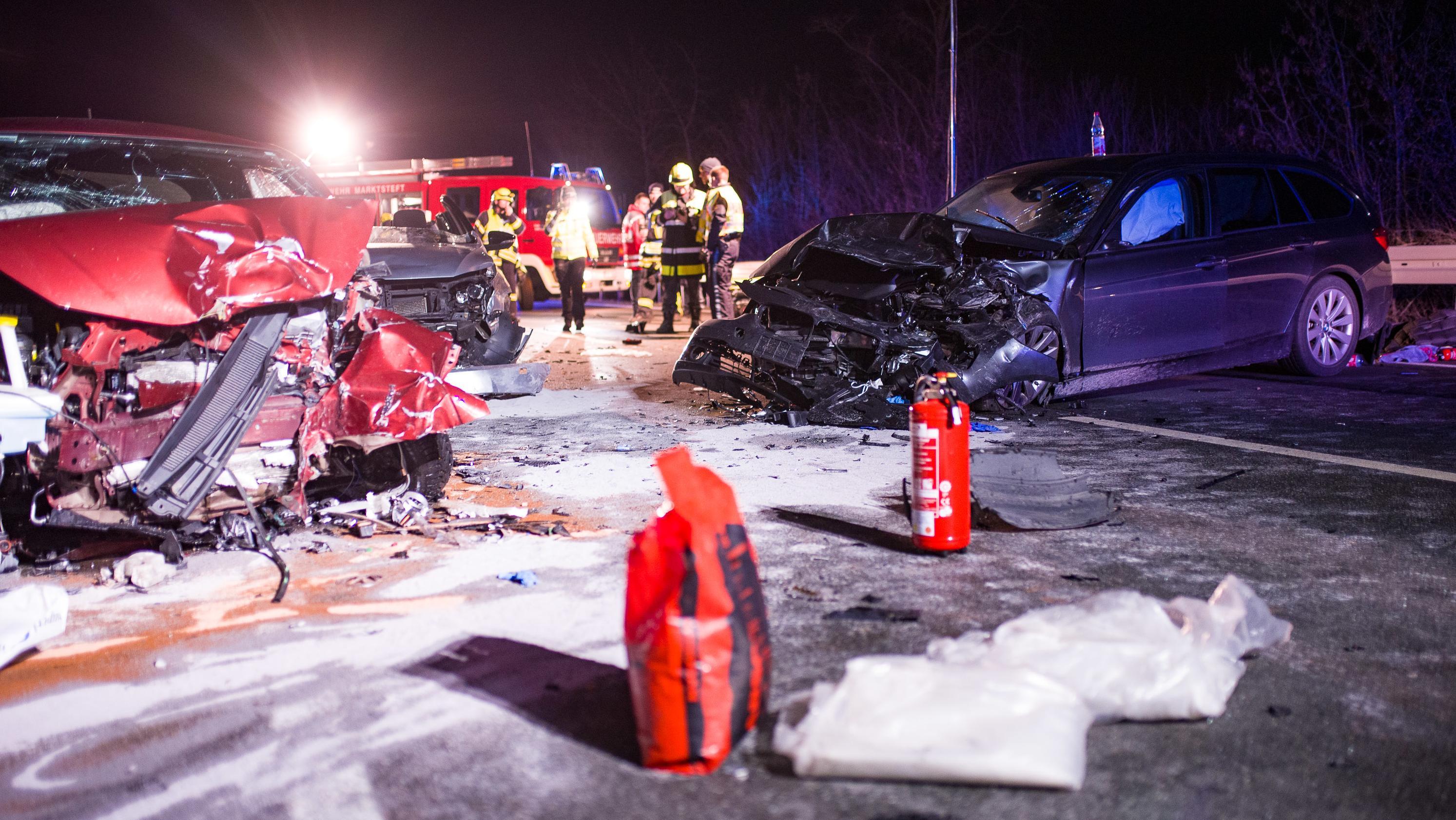 Schwerer Verkehrsunfall bei Marktsteft (Lkr. Kitzingen)