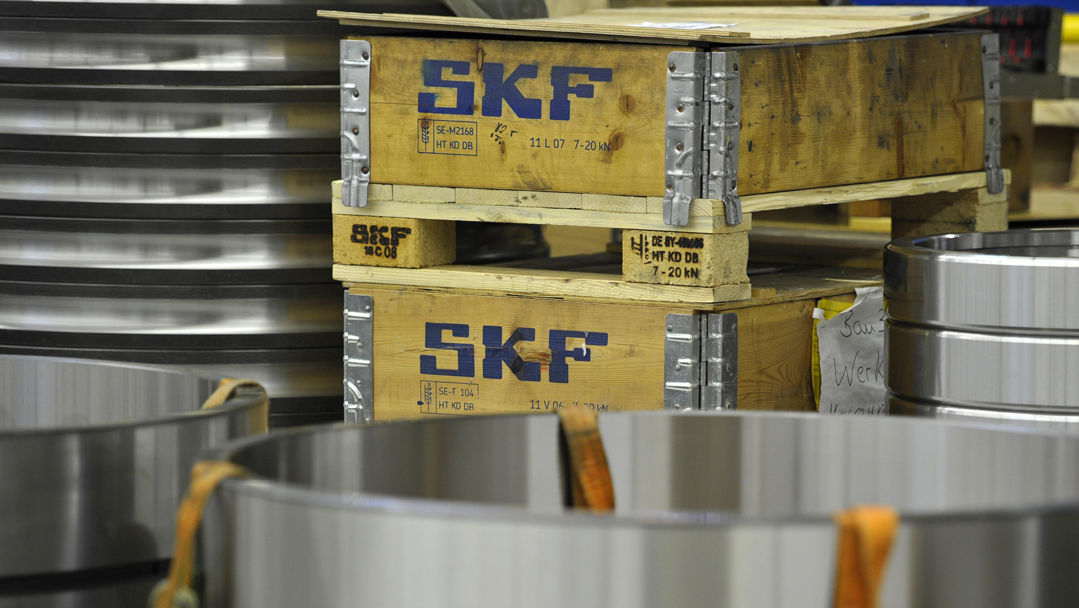 Kisten mit SKF-Logo am Standort Schweinfurt