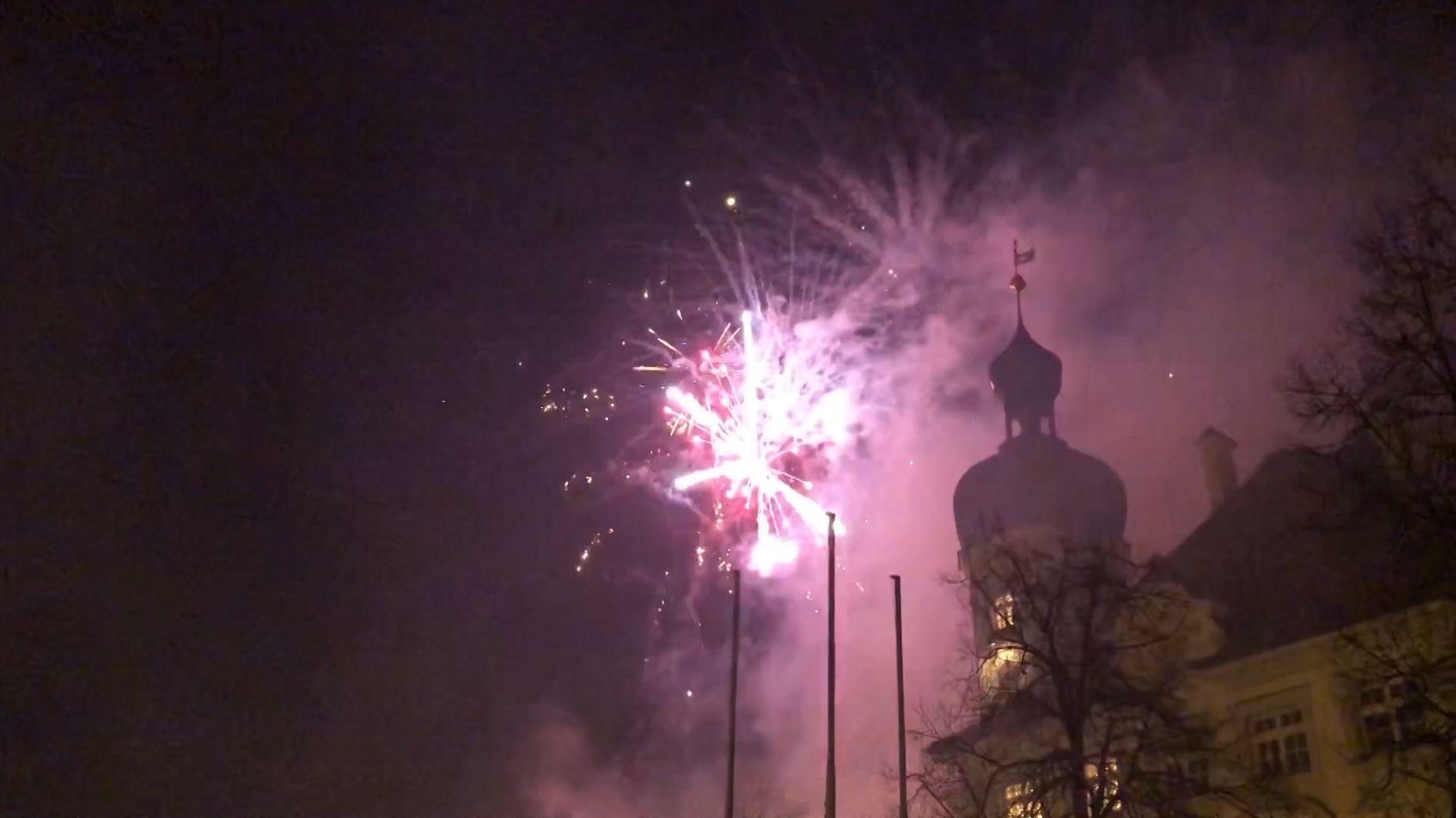Bayern begrüßt mit Feuerwerken das Jahr 2020
