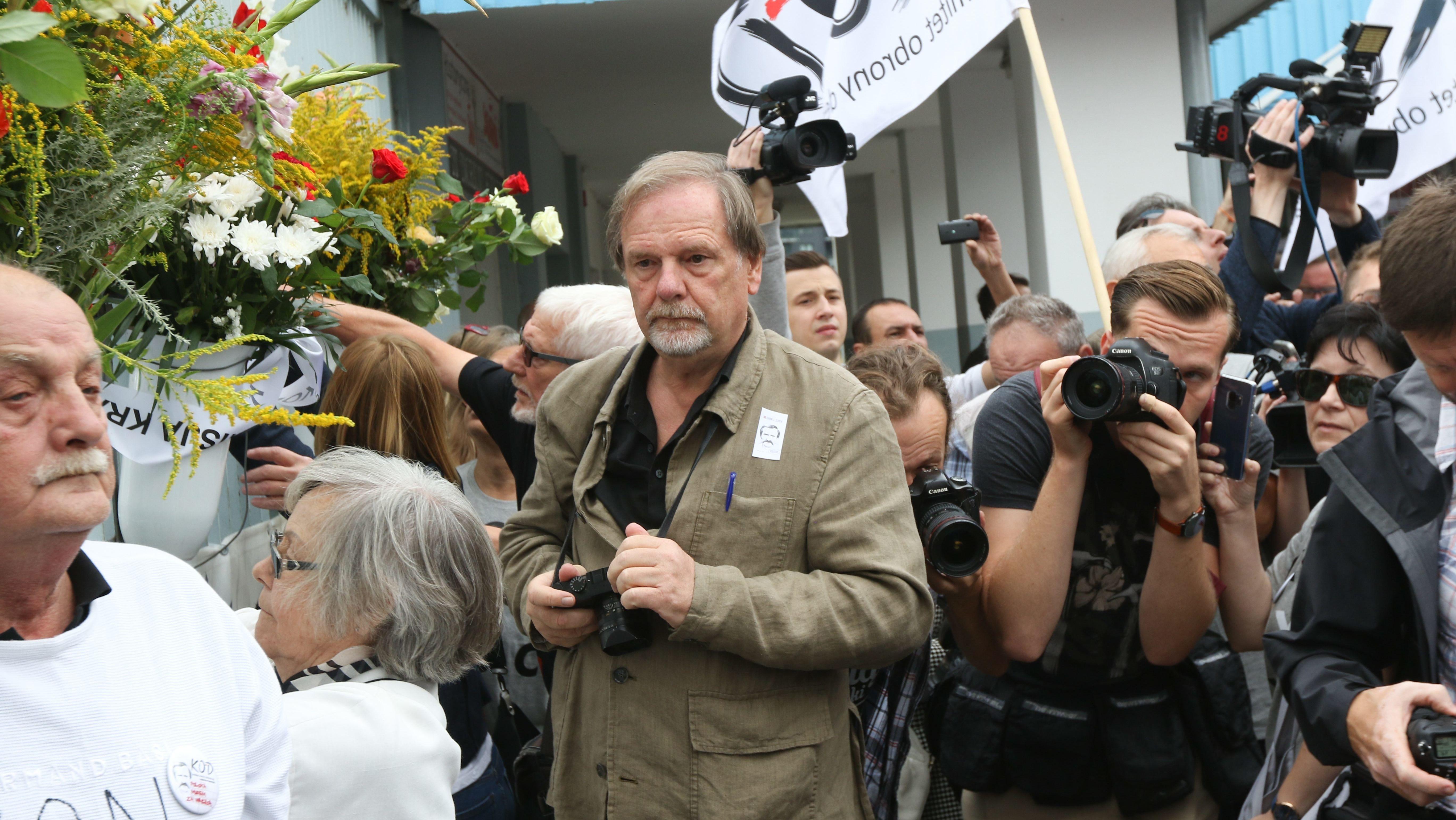 Der Fotograf Chris Niedenthal im August 2018 bei einer Gedenkfeier zum 38. Jahrestag des Arbeiteraufstandes in Danzig.