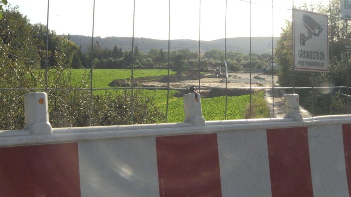 Bauflächen neben dem Stadion. Verdacht auf Fliegerbomben-Blindgänger im Erdreich