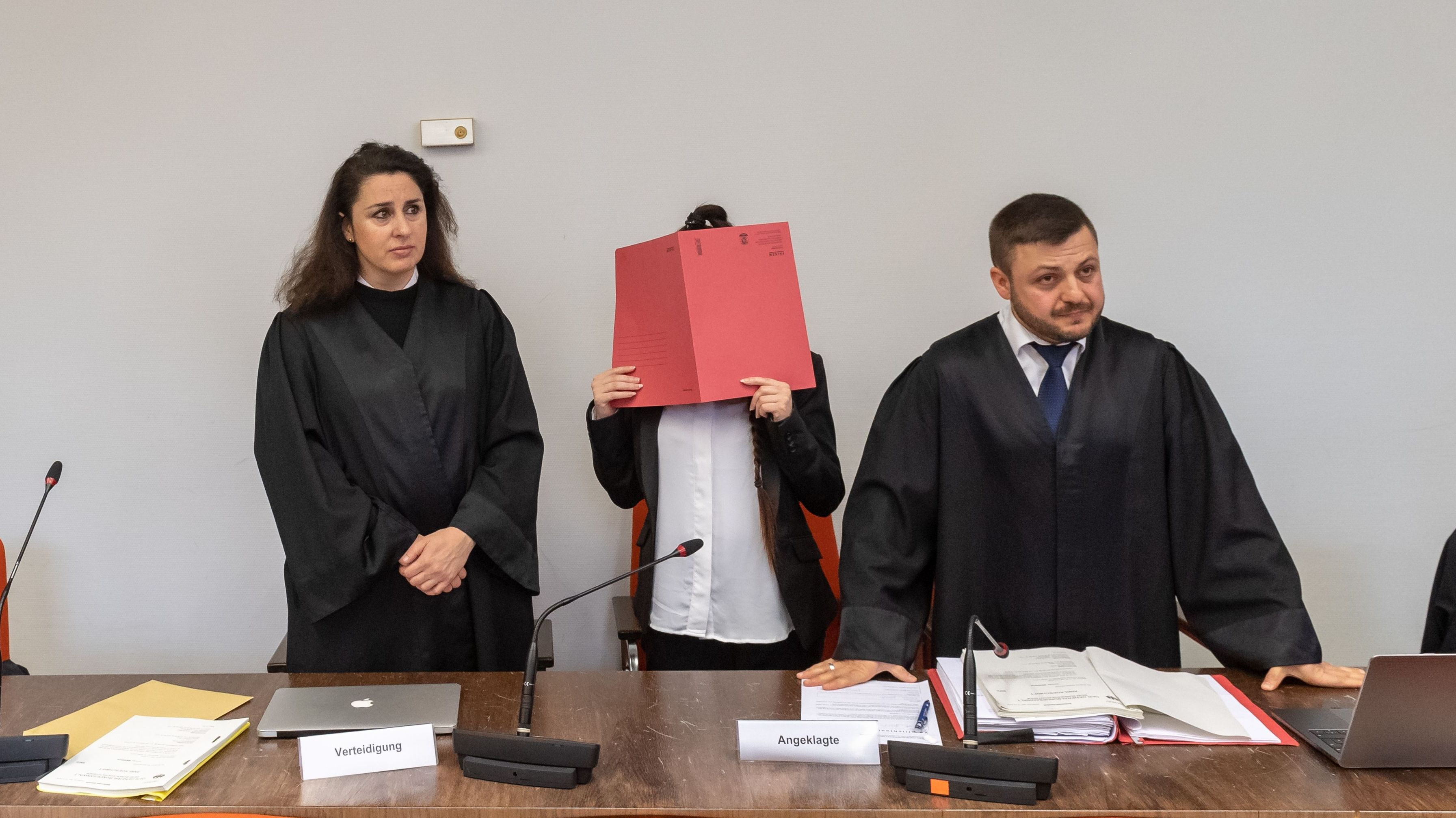 IS-Prozess: Zeugin identifiziert Angeklagte