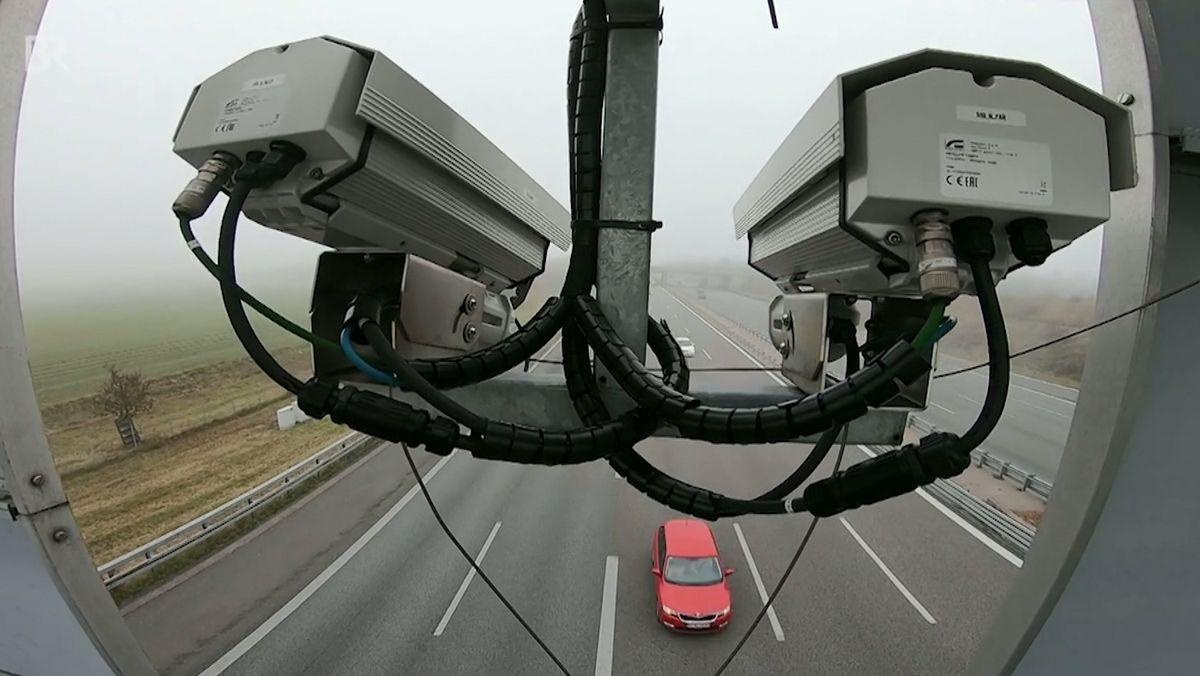 Teststrecke für autonomes Fahren auf der A9 bei München: Kameras überwachen den Verkehr.