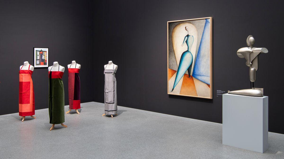 Frauenperspektiven statt männlicher Blick: Die neue Hängung der Pinakothek der Moderne