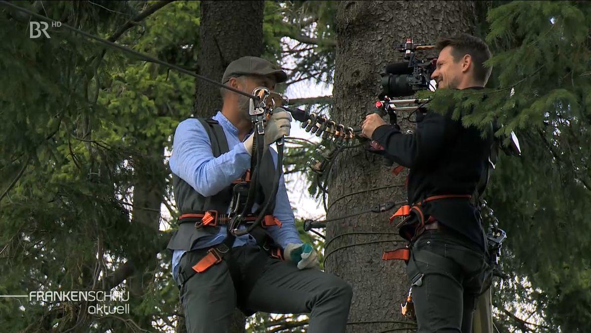Ein Kameramann dreht für den Imagefilm.