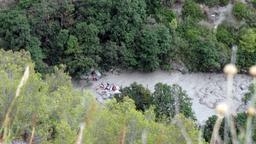 in Blick in die Raganello-Schlucht, an der Rettungskräfte im Einsatz sind. | Bild:dpa-Bildfunk/Francesco Capitaneo