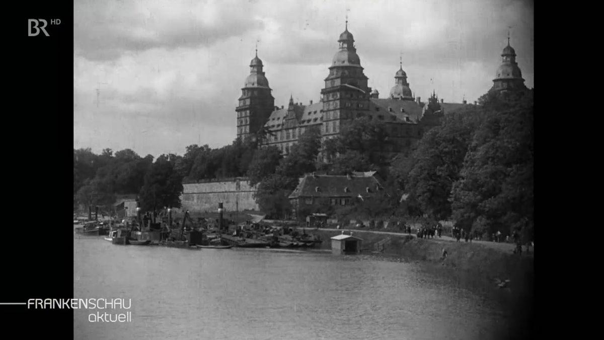 Schwarz-weiß-Aufnahme des Aschaffenburger Schlosses.