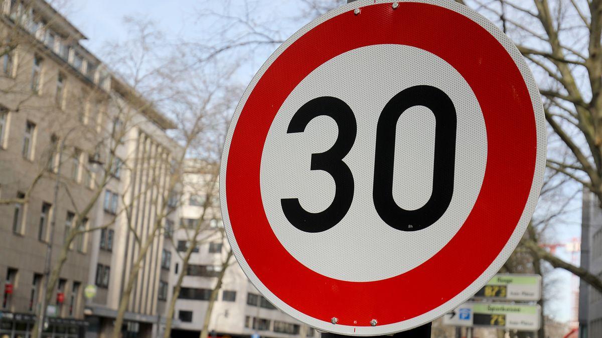Tempo 30-Schild (Symbolbild)