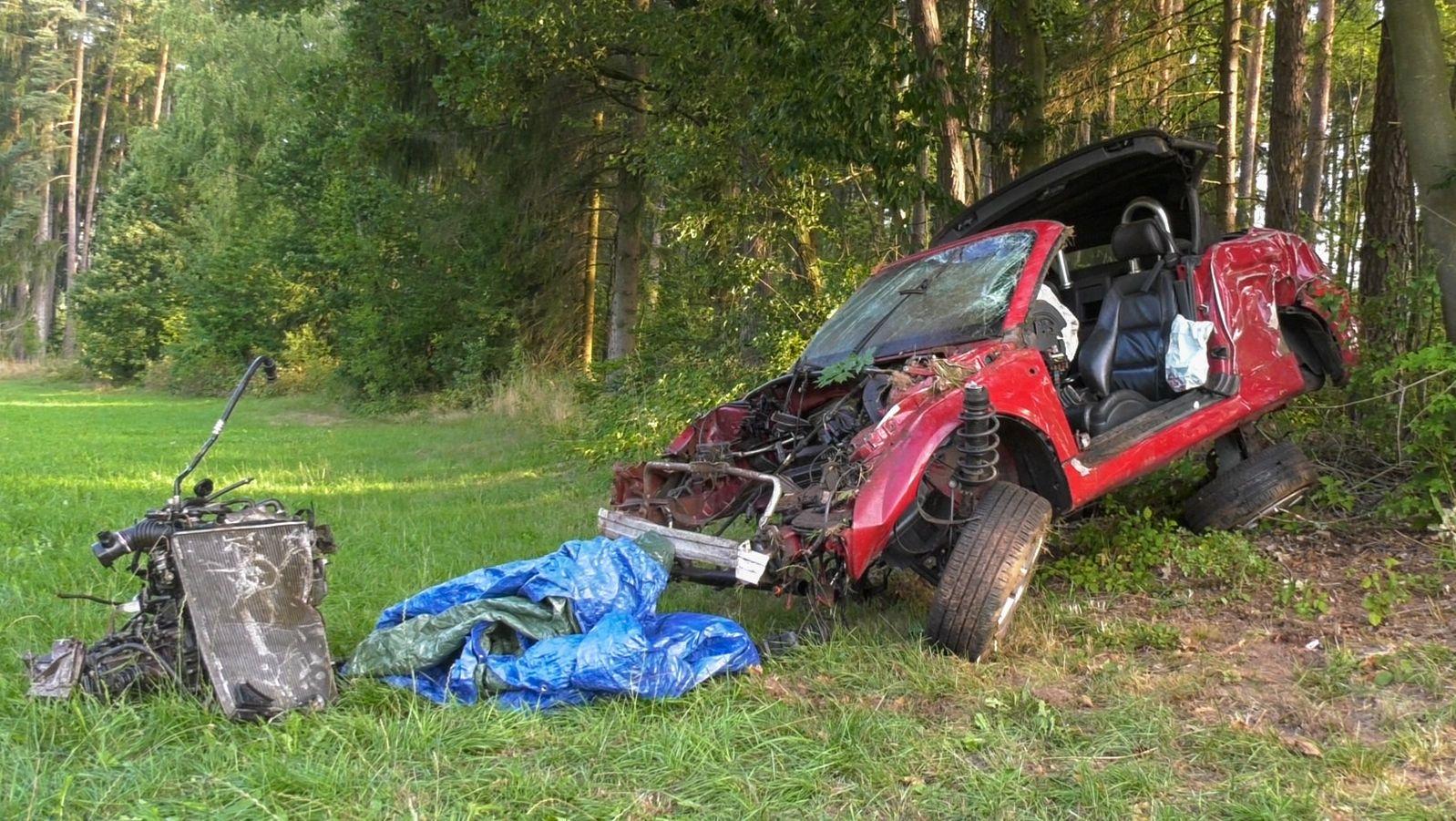 Das Autowrack nach dem Unfall
