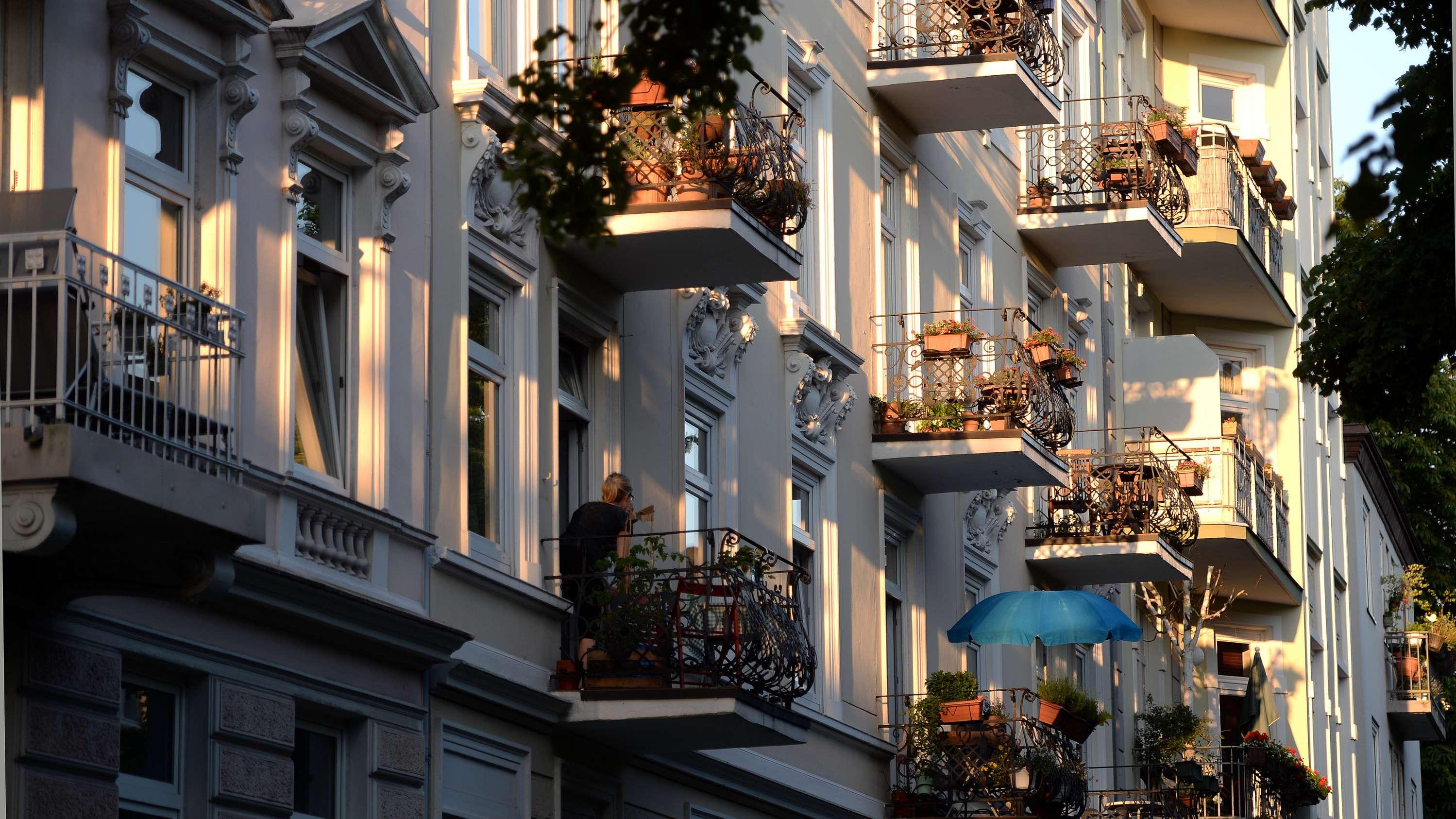 Balkone von Mietshäusern