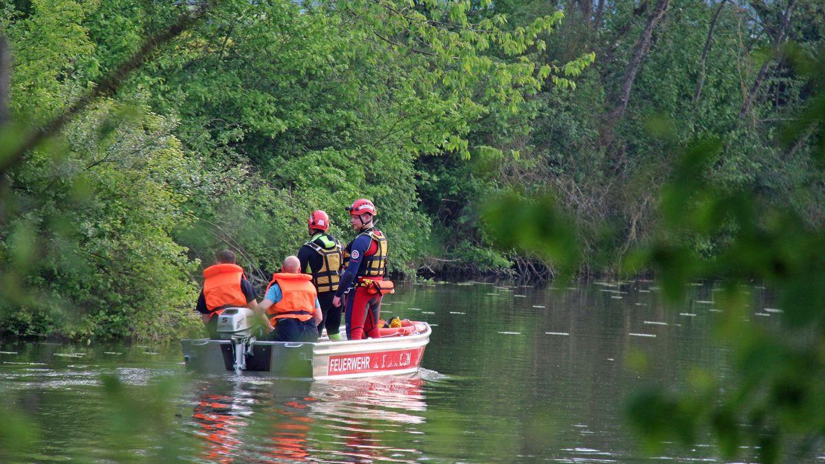 Rettungskräfte suchen nach vermisster Person (Symbolbild)