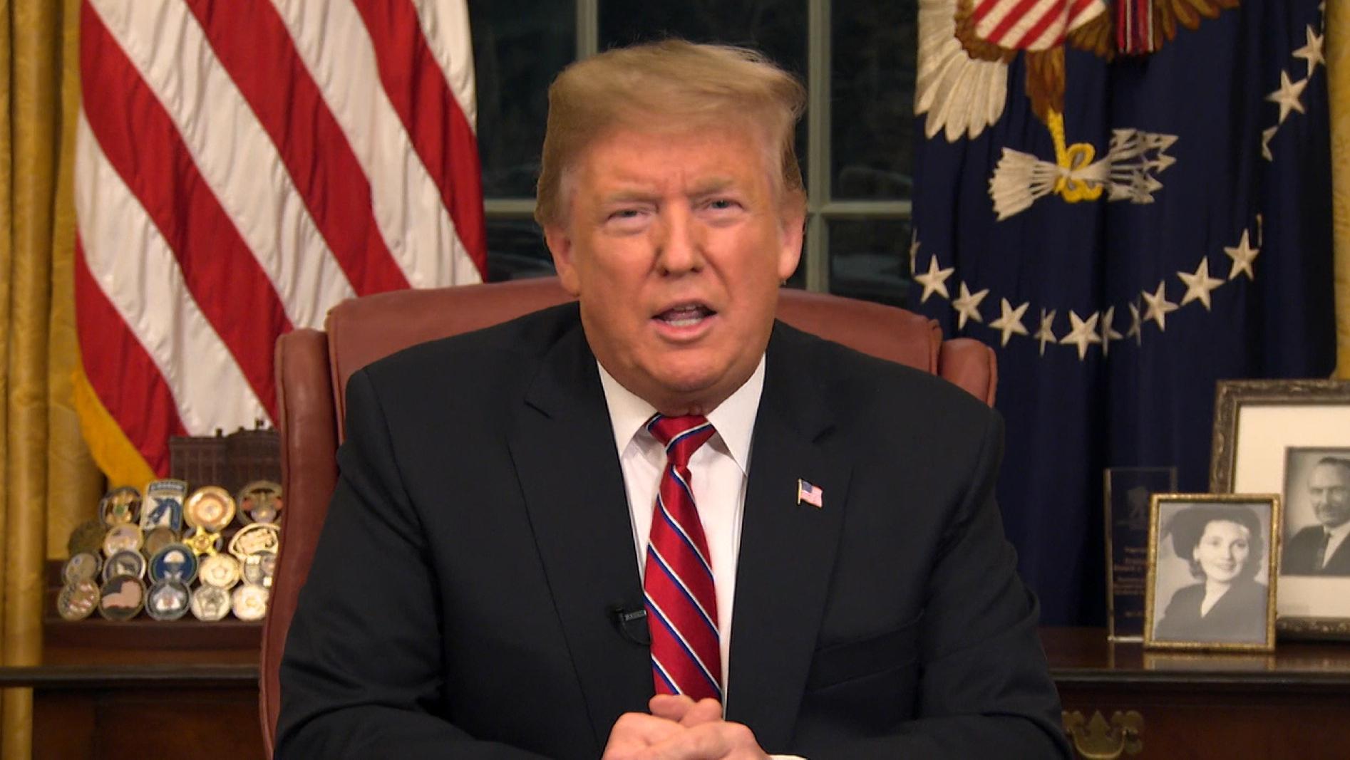 Im Streit um eine Grenzmauer zu Mexiko hat US-Präsident Trump zur Nation gesprochen. Die Demokraten werfen ihm Falschinformation vor.