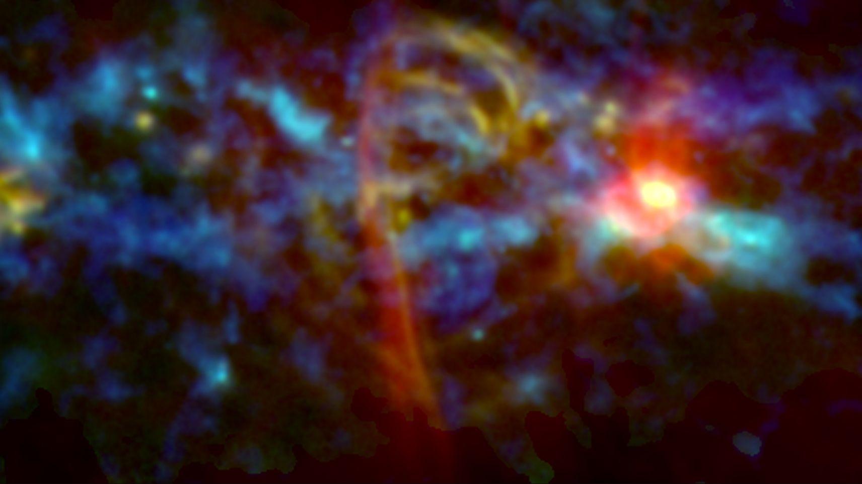 Bild vom Zentrum der Milchstraße mit Struktur, die einem Spazierstock ähnelt.