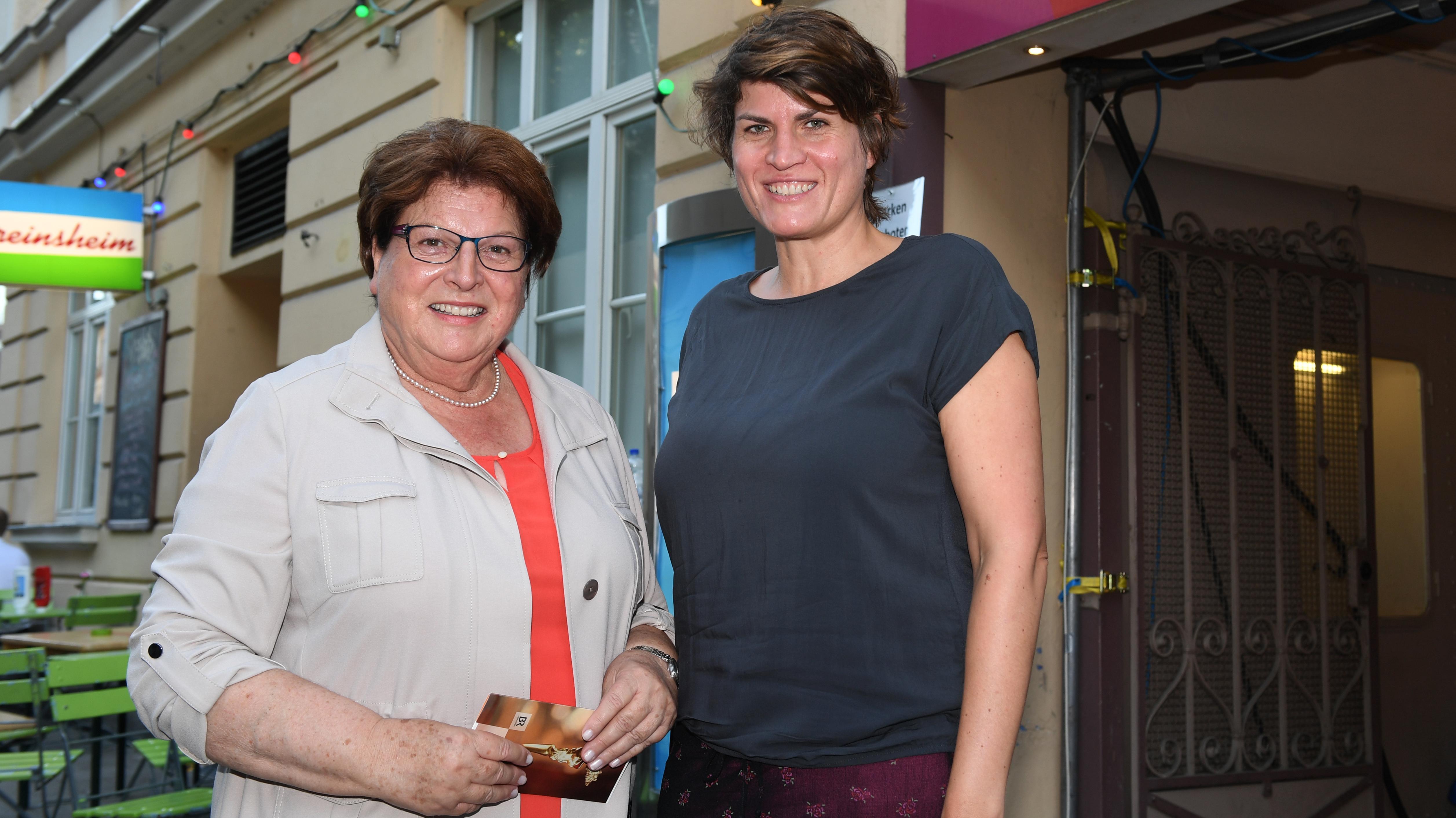 Barbara Stamm (links; CSU) und ihre Tochter Claudia Stamm (damals noch bei den Grünen) im Jahr 2017