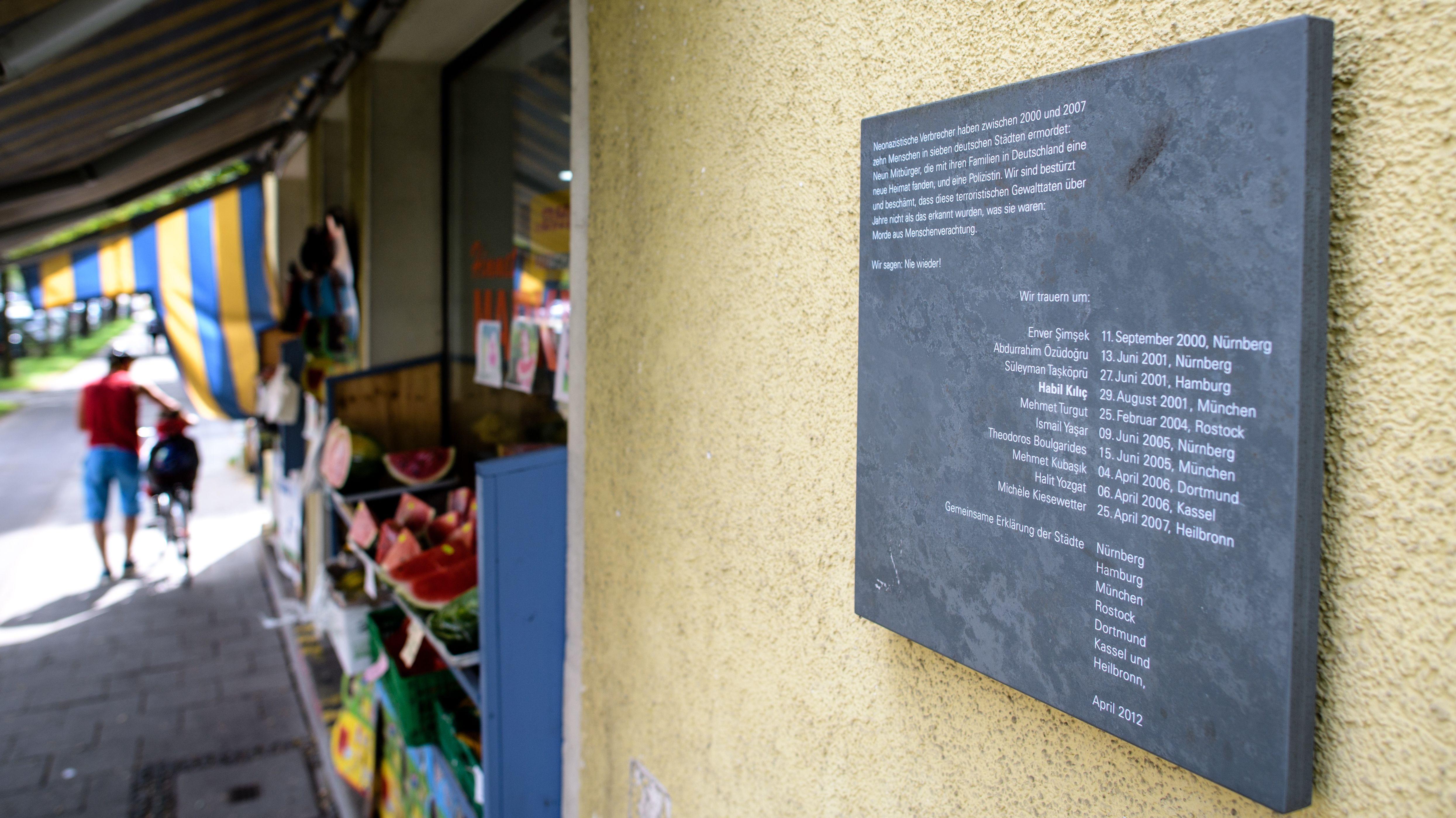 """Der """"Himmet Market"""" an der Bad-Schachener-Straße im Stadtteil Ramersdorf. In diesen Räumlichkeiten hatte früher der 38-jährige Lebensmittelhändler Habil Kilic seinen Laden. Am 29.08.2001 wurde er vom NSU erschossen."""