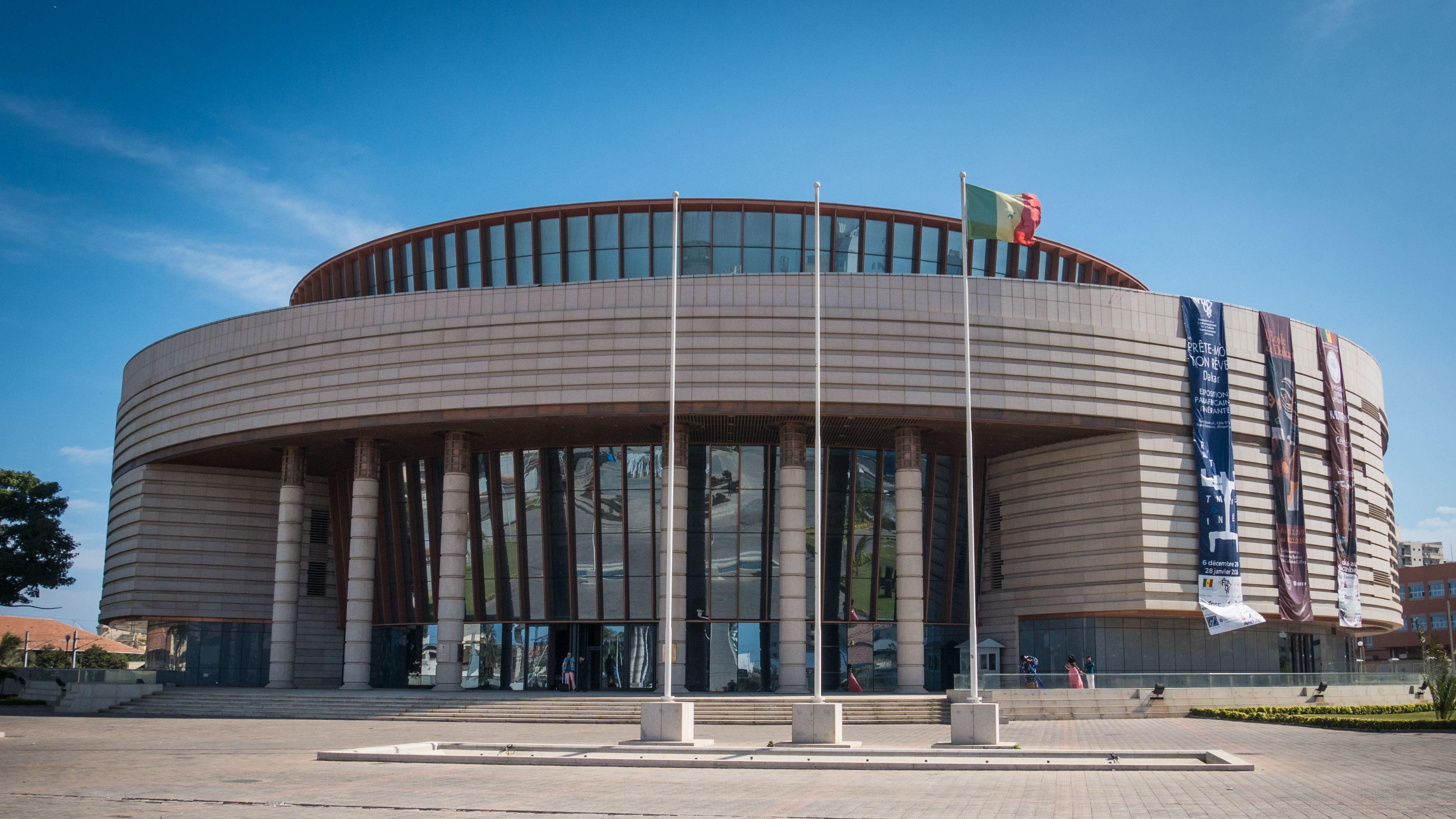 """Was der Bau verspricht, lösen die Ausstellungen nicht ein: Das """"Musée des civilisations noires"""" in Dakar"""
